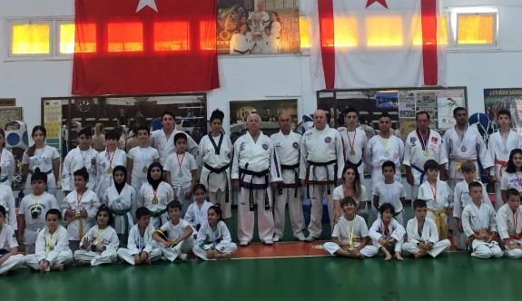Taekwondo ve Karatede terfi edenler belirlendi