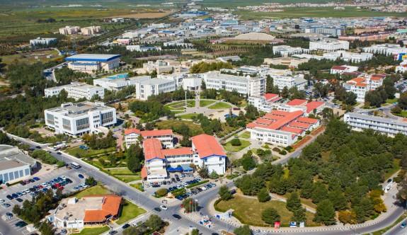 DAÜ İşletme ve Ekonomi Fakültesi Ada'da Birinci, Türkiye'de ikinci sırada