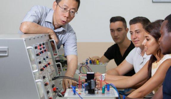 DAÜ'nün yeni Elektronik ve Haberleşme Mühendisliği Programı öğrencilerini bekliyor