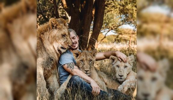 Herşeyden vazgeçip kendini vahşi hayvanlara adadı