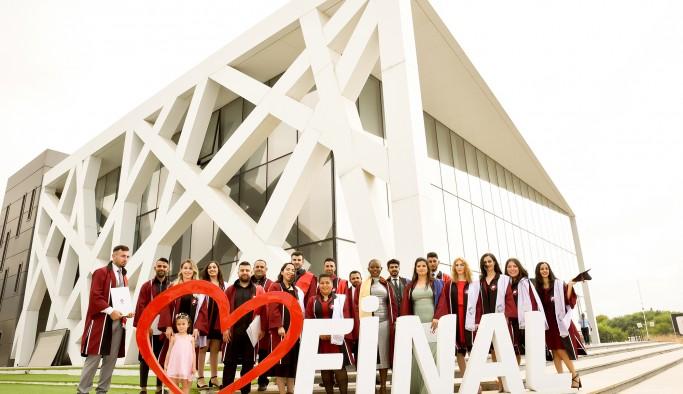 Uluslararası Final Üniversitesi ilk mezunlarını uğurladı