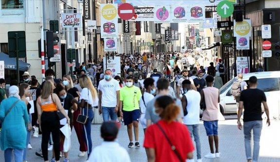 Avrupa'da maske yasağına uymamanın cezası ağır