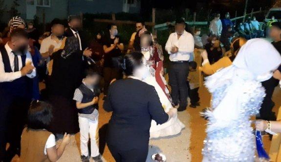 Coronalı kaynana düğüne katılanları yaktı