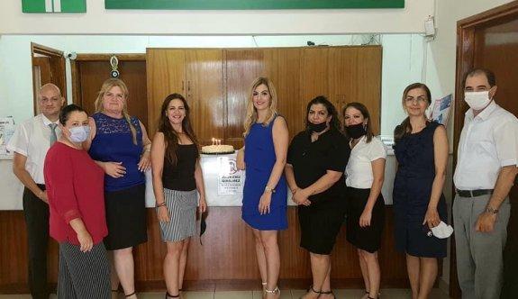 Fatoş Akay, yeni yaşını arkadaşlarıyla kutladı