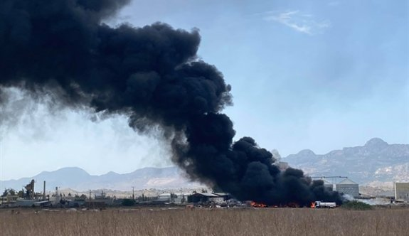 Haspolat kirli sanayi bölgesinde yangın kontrol altında