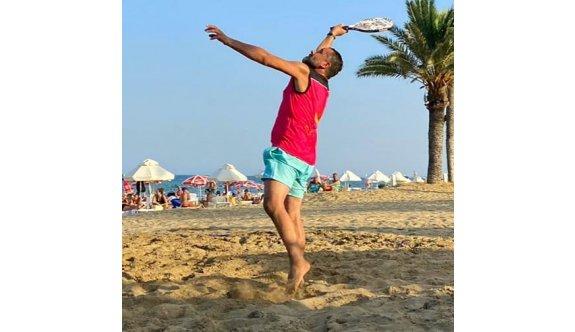 Makenzi Plajı, tenis ile renklendi