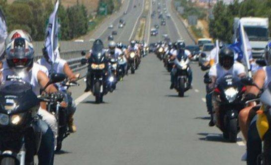 Rum motosikletçiler eylem yapıyor