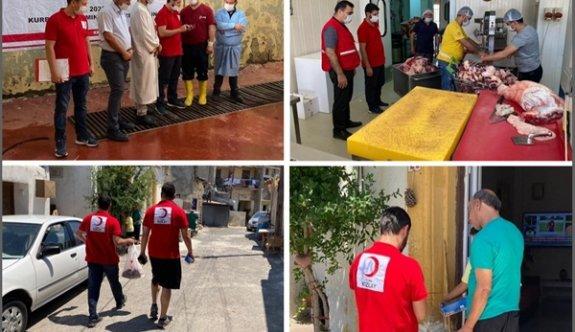 Türk Kızılayı ihtiyaçlı 2 bin 500 aileye kurban eti dağıttı