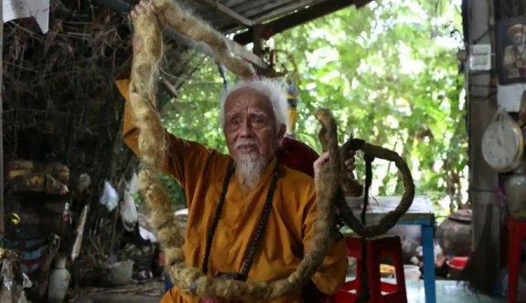 80 yıldır saçını yıkamıyor