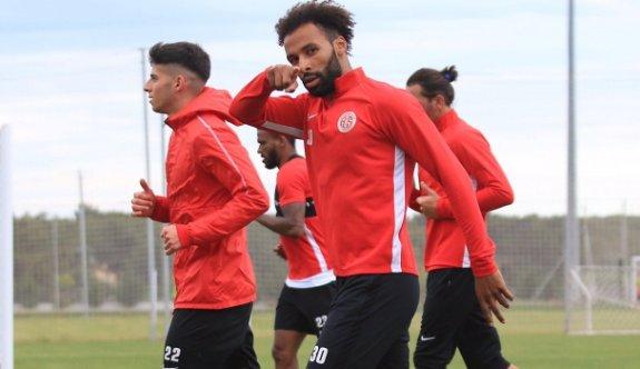 Beşiktaş Nazım Sangare'yi istiyor