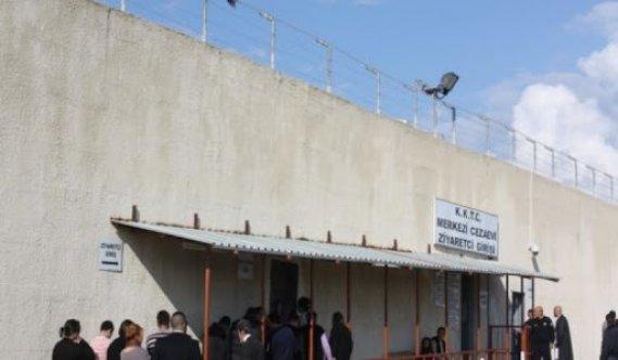 """İçişleri Bakanlığı; """"Cezaevinde açık görüşleri 7 gün süreyle durdurdu"""""""