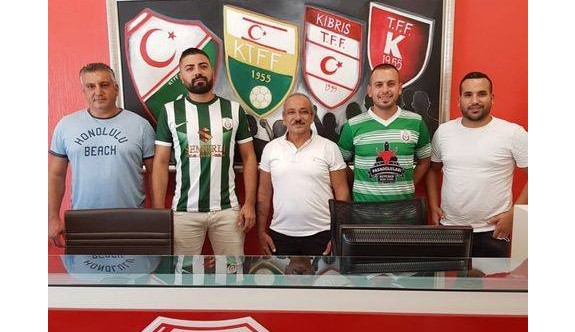 Karşıyaka'da imzalar atıldı