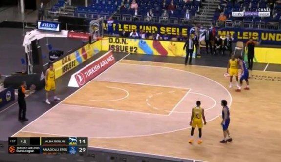 Ertenli Efes, EuroLeague'de galip