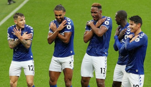 Everton 4'te 4 yaptı