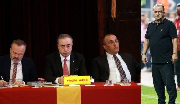 Galatasaray yönetimi: Mevcut kadro şampiyonluk için yeterli