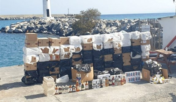 Girne'den ayrılan bir tekneye operasyon düzenlendi
