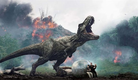 Jurassic World: Dominion 2022'ye ertelendi