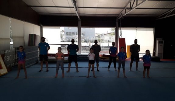 Lefkoşa Cimnastik İhtisas'ta neşeli antrenmanlar
