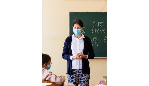 Okullar acilen öğretmen bekliyor
