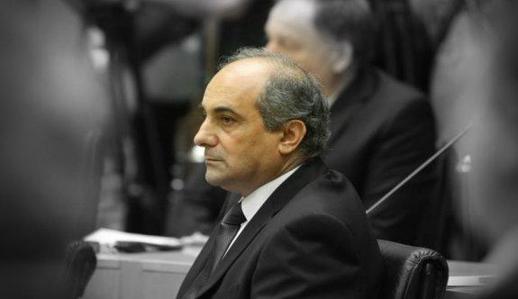 Rum Meclis Başkanı Şilluris ve AKEL milletvekili Giovanni istifa etti