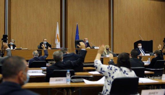 Rum Meclisi kendini feshetme önerisini reddetti