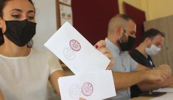 Saat 14.00 itibarıyla ülke genelinde seçime katılım oranı yüzde 35.33