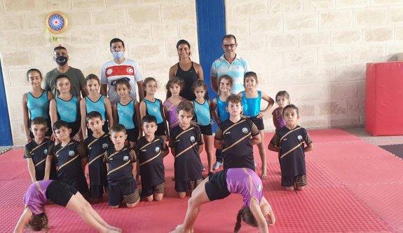 Sapsızoğluve ekibi, Erenköylü cimnastikçilerle buluştu