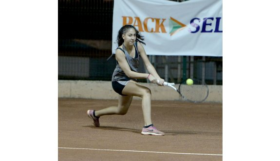 Teniste Veg&Bones Cup sürüyor