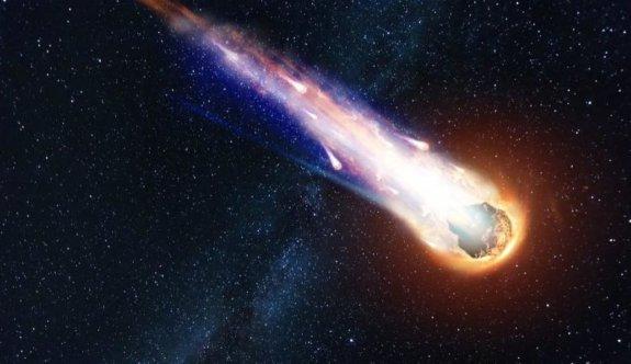Ünlü bilim insanından meteor uyarısı