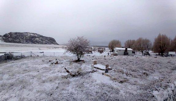 Antalya Kaş'a yılın ilk karı