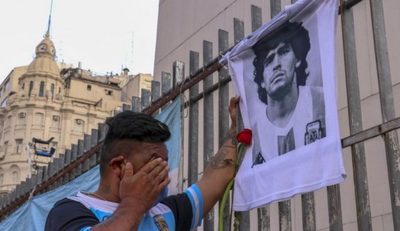Arjantin'de efsanevi futbolcu için 3 gün ulusal yas