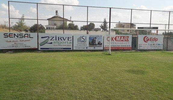 Esat Erdoğmuş Stadına reklam tabelaları takılıyor