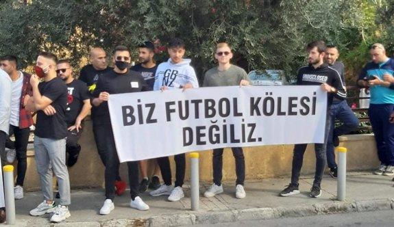 Futbolcular, Sertoğlu'ndan özür bekliyor