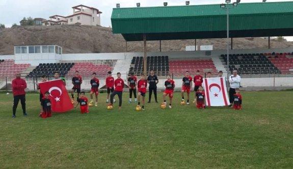 Hamitköy Futbol Akademisinden cumhuriyet duyarlılığı
