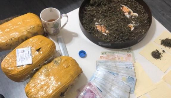 İskele'de bir evde yüklü miktarda uyuşturucu ele geçirildi