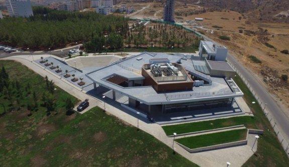 LAÜ Hukuk Fakültesi binası mimarlık literatürüne geçti