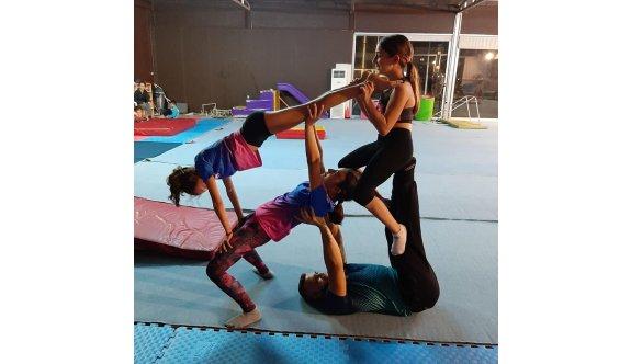 Lefkoşa'da cimnastik şov
