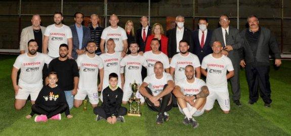 Şampiyon Erciyes Tesisatçılık'ın kupası Tatar'dan