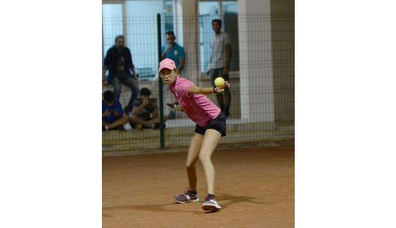 Teniste şampiyonluk zamanı