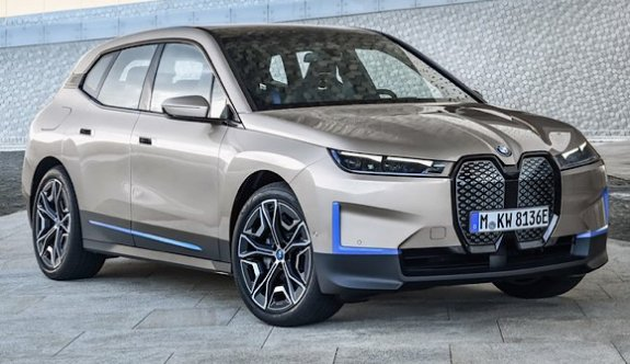BMW yeni elektriklisi iX'i tanıttı