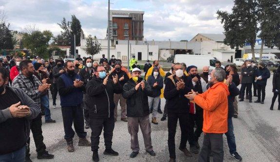 Güney'de çalışanlar Başbakanlık önünde eylemde