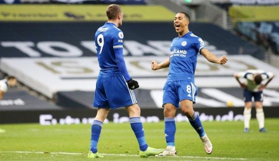 Leicester City, Tottenham'ı deplasmanda yıktı
