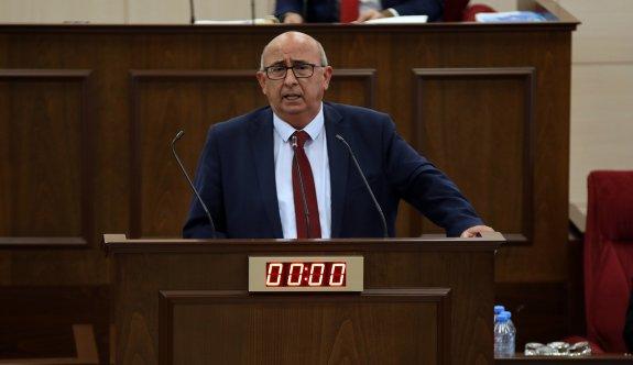 Mecliste nisap düştü, toplantı yarına ertelendi