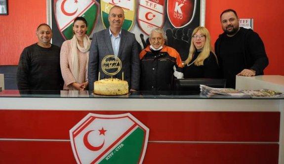 Sertoğlu'nun doğum gününü kutladılar