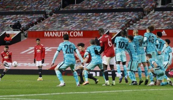 Devlerin dansında kazanan Manchester United