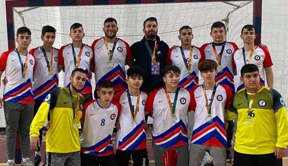 Ervandar'dan şampiyonlara kutlama