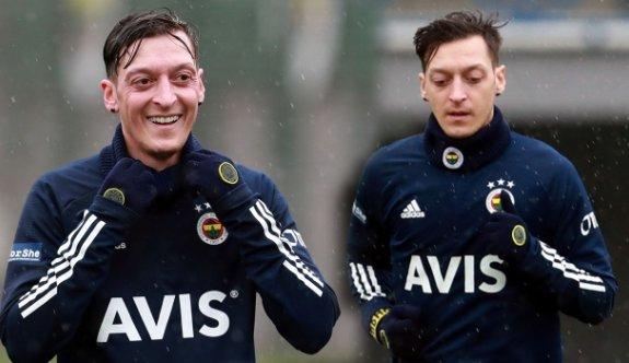 Fenerbahçe'nin Mesut Özil'e ödeyeceği ücret açıklandı