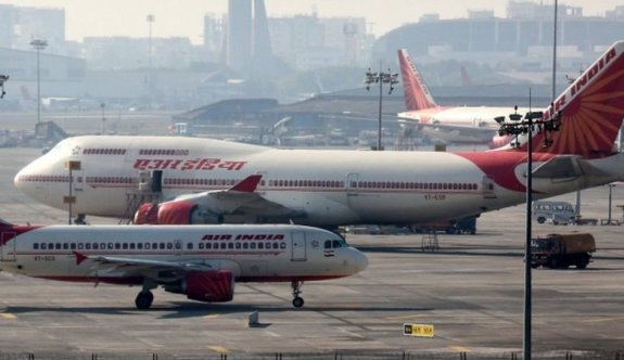 Hindistanlı kadın pilotlar 17 saatlik direkt uçuşla dünya rekoru kırdı