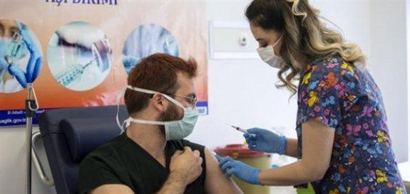İsrail'de Kovid-19 aşısının ikinci dozu yapılan sağlıkçılarda yeterli seviyede antikor oluştu