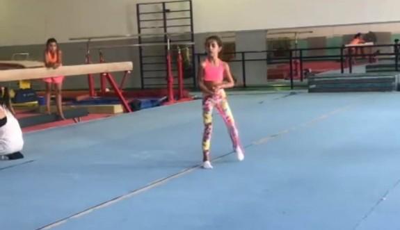 Karya ilk cimnastik eğitimini, federasyondan aldı